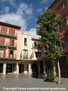 Boutique Shopping in Cambrils Old Town